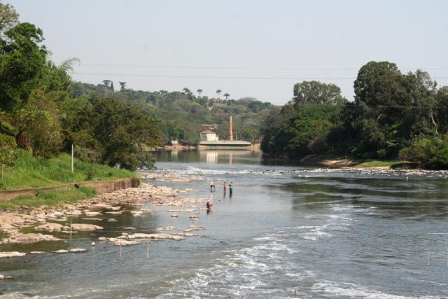 Piracicaba - imagem de pescadores no rio Piracicaba 2007
