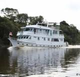 barco-hotel Kalua