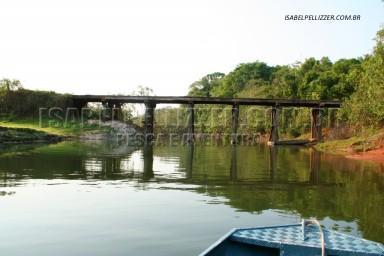 IMG_1914 ponte de madeiar sobre o rio Paranaiba