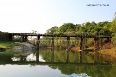 IMG_8537T ponte de madeiar sobre o rio Paranaiba