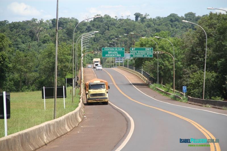 IMG_3972 - Ponte Fraternidade sobre rio Iguaçu PR-AR ou BR-AR