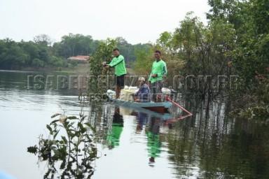 IMG_0958 pescadores locais linhada de mão na espera