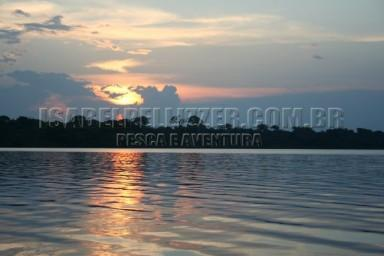IMG_3522 por do sol lago mamori
